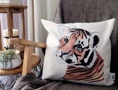 Housse de coussin tigre impression sur tissu et par CynthiArtetc