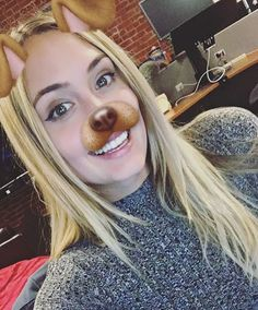WEBSTA @ thenaomikyle - Another one this week! #AskNK airs in 30 minutes at the link in my bio!!! 😄 (youtube.com/naomikyle) 🐶