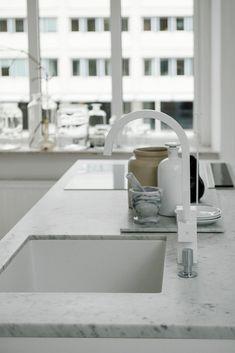 Post: Encimeras y revestimientos en la cocina de mármol --> blog decoración de interiores, cocinas blancas modernas, cocinas nórdicas, Encimeras y revestimientos en la cocina de mármol, Estilo minimalista, estilo nórdico, marmol cocinas modernas, marmol en decoración