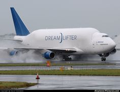 Dreamlifter-Boenig