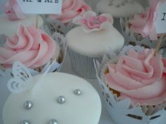 Pink, White & Silver Wedding cupcakes