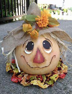 Halloween Gourds, Fall Halloween, Halloween Crafts, Halloween 2020, Manualidades Halloween, Adornos Halloween, Hand Painted Gourds, Painted Pumpkins, Scarecrow Crafts