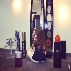 eyeshadow palette mirror. I want!