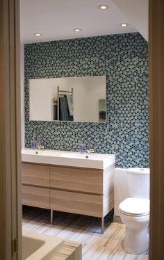 Style Box, Bathroom Lighting, Mirror, House Styles, Furniture, Home Decor, Bathroom Light Fittings, Bathroom Vanity Lighting, Decoration Home