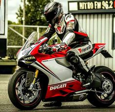 Ridezza is a Premium Motorcycle Clothing & Accessories brand inspired by two-wheels and speed. High quality Motorcycle T-Shirts, Hoodies, Leggings & Accessories Ducati Motorbike, Motorcycle Suit, Racing Motorcycles, Motorcycle Jackets, Ducati Monster, Ducati 1299 Panigale, Ducati Superbike, Motos Retro, Bike Leathers