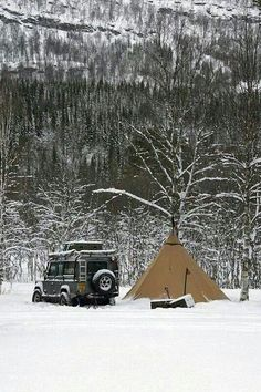 It's a lifestyle...Land Rovers and Winter Camping