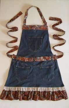 The place to buy and sell all handmade - Aurelia Sewing Aprons, Sewing Clothes, Diy Clothes, Denim Aprons, Artisanats Denim, Denim And Lace, Jean Diy, Jean Apron, Denim Ideas