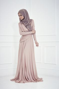 Latest Style Engagement Gowns for Muslim Women