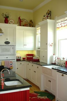 This gives me goosebumbs!!! Love this kitchen