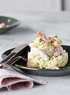 Mousse de courgette aux crevettes | Colruyt C'est Bon, Potato Salad, Seafood, Cocktails, Potatoes, Fish, Fruit, Ethnic Recipes, Cocktail