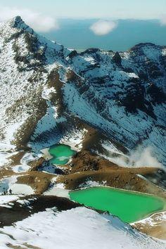Emerald Lakes, Tongariro National Park, New Zealand.