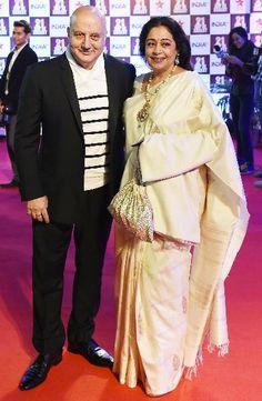 #Evergreen #kiran #kher with her husband #anupam #kher in #classic #offwhite #silk #saree.