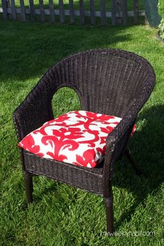How to repaint a wicker chair