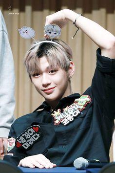 Cre: the owner/as logo Daniel K, Produce 101 Season 2, Street Dance, Kim Jaehwan, Fans Cafe, Modern Dance, Flower Boys, 3 In One, Kpop