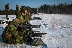 Canadian Army members from Bat. Princess Patricias Canadian Light Infantry during Operation REASSURANCE in Poland 2017 Military Guns, Military Uniforms, Military Life, Military Art, Royal Canadian Navy, Canadian Army, Force Pictures, Military Special Forces, Future Jobs