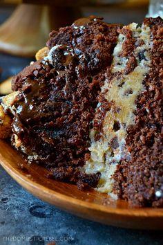Slutty Brownie Cookie Dough Cake – The Domestic Rebel Cookie Dough Brownies, Chocolate Chip Cookie Dough, Brownie Cookies, Cookie Dough Frosting, Baking Recipes, Cake Recipes, Dessert Recipes, Tea Cakes, Cupcake Cakes