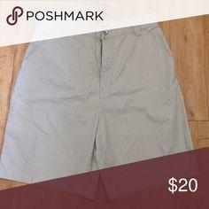 Men's DKNY JEANS khaki shorts In great like new condition!  100% cotton DKNY Shorts Hybrids
