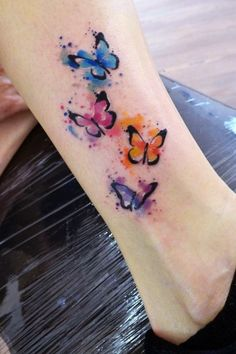 40 Cute Watercolor Tattoo Designs and Ideas For Temporary Use - Cartoon District Mermaid Tattoos, Feather Tattoos, Wrist Tattoos, Funny Tattoos, Cartoon Tattoos, Book Tattoo, Tattoo You, Violet Flower Tattoos, Spiderman Tattoo
