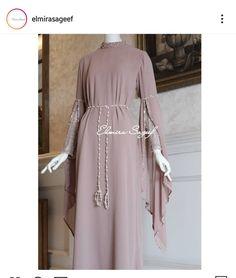 Muslim Fashion, Hijab Fashion, Fashion Dresses, Indian Gowns Dresses, Evening Dresses, Dress Brokat, Bridesmaid Inspiration, Bridesmaid Outfit, Muslim Dress