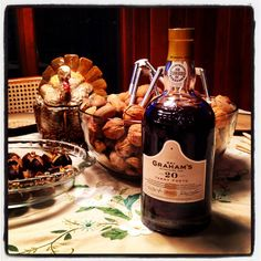 Tawny Port: perfection with roasted nuts. : grapefriend - Best Thanksgiving Wines #Thanksgiving #Christmas