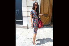 [París] Mix de estampas: vestido floreado y zapatos animal print. Foto:Agustina Garay Schang