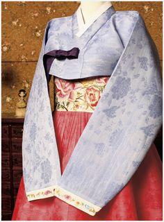 #hanbok with chima beginning at waist line