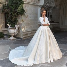 "1,738 Likes, 24 Comments - Weddings Travel Love Couture (@bridesjournal) on Instagram: ""@evalendel Your 2018 collection is everything we love! #bridesjournal _ #bride #bridetobe #bridal…"""