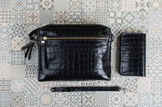 Get impressed by the new Ann Kurz Leather combinations. They will suit any outfit!  Ann Kurz Design besticht durch Lederkombinationen, die immer passen!