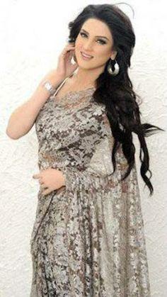 #Pakistani models http://www.fashioncentral.pk/pakistani/models/