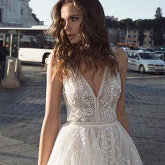 Glitter Glam it's what we talking about... BIRENZWEIG BRIDAL Fashion Couture. @birenzweig #wedding #weddingdress #bridal #bride #gown #glam #style #coture #cinderella #rome #photooftheday #love #birenzweig #instawedding