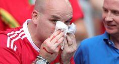 #EURO2016 : Gareth Bale casse le nez d'un supporteurs  !