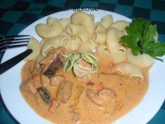 Thai Red Curry, Meat, Chicken, Ethnic Recipes, Food, Eten, Meal, Meals, Buffalo Chicken