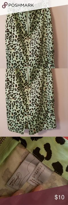 Forever 21 Cheetah Print Pencil Skirt Forever 21 Cheetah Print Pencil Skirt (Pink-Blk-Green) w/zipper. (fitted) LG sized fits more like a small/medium Forever 21 Skirts Pencil