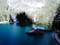 Lago di Braies, Alto Adige, location della nota fiction Un passo dal cielo🌄