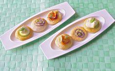 Questi piccole #schiacciatine primaverili sono dei piccoli bocconcini golosi adatti per #aperitivi, buffet e #antipasti.  Tre varianti per rendere unici i vostri spuntini.