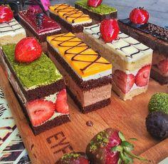 Mini Desserts For Parties Shot Glasses Baking Recipes, Cake Recipes, Dessert Recipes, Cupcakes, Cupcake Cakes, Fruit Cakes, Gateau Cake, Kolaci I Torte, Beautiful Desserts