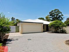 With a land area of 725 sqm, this house is situated near all basic amenities. 5 bedrooms, 3 bathrooms and 2 entrances, know the price of the house at www.realestateplus.com.au.