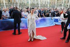 Suomen edustaja Sandhja oliksi punaisen maton rohkeimmista pukeutujista