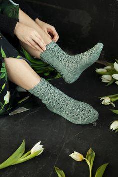 Tammikuun tilaajaetu: Niina Laitisen ihana talviset Kuurankukkia-sukat   Kodin Kuvalehti