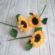 Paper sunflowers bouquet Floral arrangement Bridesmaids paper | Etsy Sunflower Arrangements, Sunflower Bouquets, Floral Arrangements, Paper Flower Art, Paper Sunflowers, Bridesmaid Bouquet, Bridesmaids, Paper Bouquet, Yellow Paper