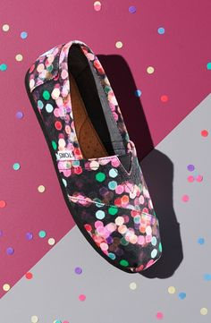 Love these TOMS with the fun dot print!