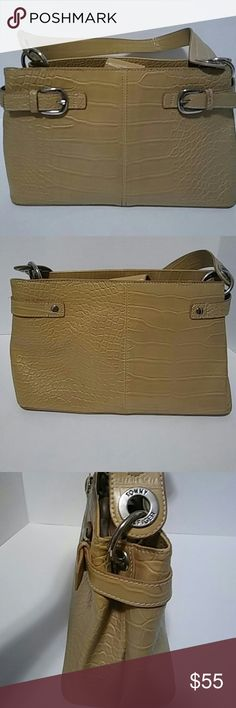 Tommy Hilfiger bag Tan faux crocodile leather bag made by Tommy Hilfiger. L- 12' H- 7' W- 4.5' inches. Handle drop is 10.5 inches. Tommy Hilfiger Bags Shoulder Bags