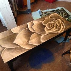 Were I more artistically talented, I could do this to a thrift store table
