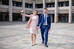 Flora & Christian bei ihrer standesamtlichen Hochzeit in Linz  . Die wunderbare standesamtliche und kirchliche Hochzeit inkl Hochzeitsfeier gibt es jetzt auf meinem Blog zu sehen  Heiraten in der Kaiserstadt Bad Ischl  . . . . #erinnerungendiebleiben #schönemomente #brautpaarfotos #brautpaarshooting #brautpaar2019 #brautpaar2020 #brautpaarshoot #brautpaarbilder #brautpaarportraits #hochzeitsbilder #hochzeitsshooting #hochzeitsinspiration #myhochzeitswahn #hochzeitsideen #hochzeitsfotografie… Bridesmaid Dresses, Wedding Dresses, Portrait, Bad, Flora, Photography, Instagram, Fashion, Wedding Couple Photos