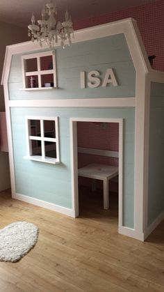 Mooi bed met speelhuisje. Deze is In allerlei varianten voor jou te maken. Www.justmystyle.nl