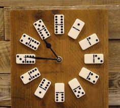 Home Decoration Ideas and Design Architecture. DIY and Crafts for your home renovation projects. Clock Art, Diy Clock, Clock Decor, Wooden Projects, Wood Crafts, Recycled Furniture, Diy Furniture, Objet Deco Design, Deco Originale