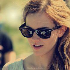 Gorgeous Women, Beautiful People, Cat Eye Sunglasses, Sunglasses Women, Girl Crushes, Emma Watson, The Dreamers, Celebs, Glamour