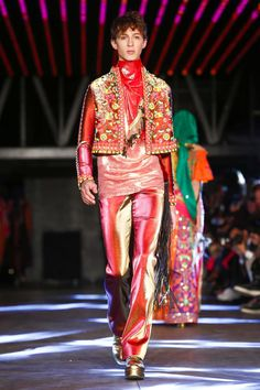 Manish Arora Ready To Wear Spring Summer 2016 Paris - NOWFASHION