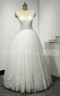 US$163.57-Sleeveless V-Neck A-Line Tulle Lace Wedding Dress. http://www.doriswedding.com/sleeveless-v-neck-a-line-tulle-gown-with-lace-hemline-and-pleats-pET_711350.html. Browse the complete selection of unique design wedding dresses, each featuring the latest design with careful attention to detail and amazing quality, fit to finish. Free Shipping! #DorisWedding.com