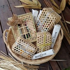 natural box for present Creative Gift Wrapping, Creative Gifts, Bamboo Box, Buy Bamboo, Eid Hampers, Gift Packaging, Packaging Boxes, Basket Weaving Patterns, Bamboo Weaving